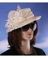 Beige kleur koninginnen hoed margriet
