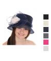 Nette hoed met contrast bloem